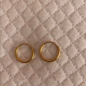 Small gold hoops earrings